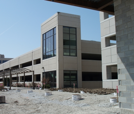 Northwestern Mutual Parking Structure: Franklin Campus